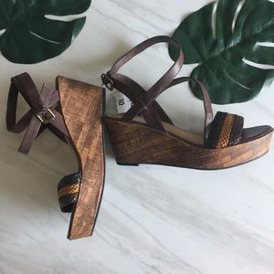 💙 NWT Platform wedge sandals